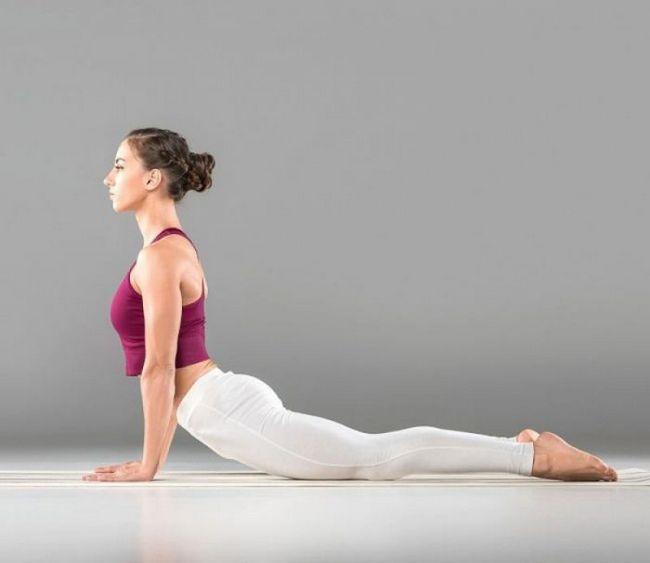 15 Асана от йога, които ще ви помогнат да направите стомаха си плоска