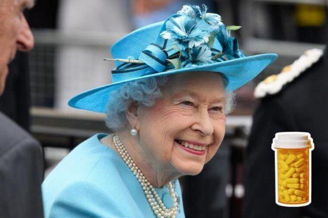 Без което не кралица Елизабет никога не отива на пътуване?