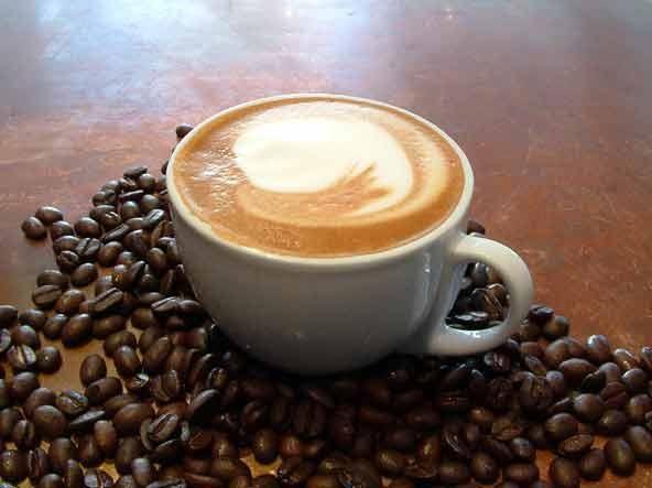 кафе с млечна снимка