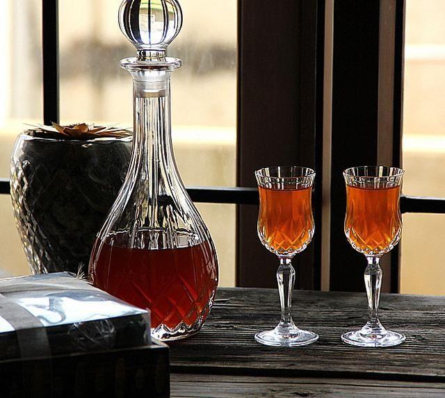 Домашно вино от цариградско грозде: рецепта