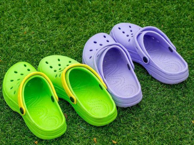 Тези обувки не са просто ужасни, а също са вредни за здравето!