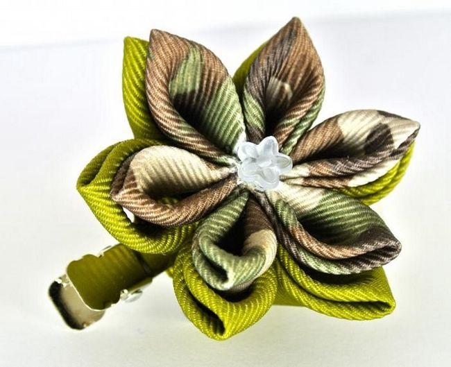 Как да направите цветя от панделките
