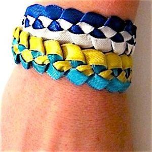 Как да плете гривни от ленти със собствените си ръце