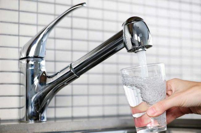 Как да разберем, че пиете твърде много вода?