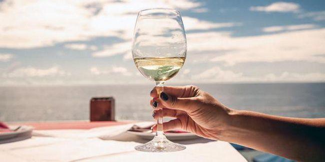 как да запазите чаша вино