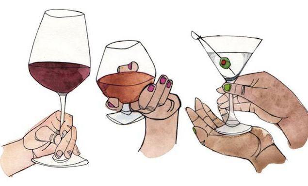 как правилно да държи чаша вино
