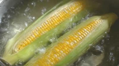 как да готвите царевица в микровълнова фурна