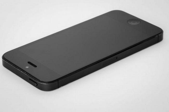 Как да изтегляте музика на вашия iPhone автоматично и ръчно