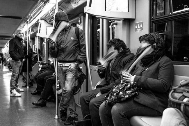 Как телефонът изсмуква душата ви: зашеметяващи снимки на френския фотограф