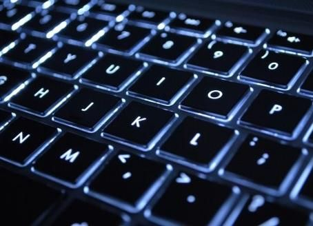 Как да включите клавиатурата на лаптоп и да използвате модернизирани модели