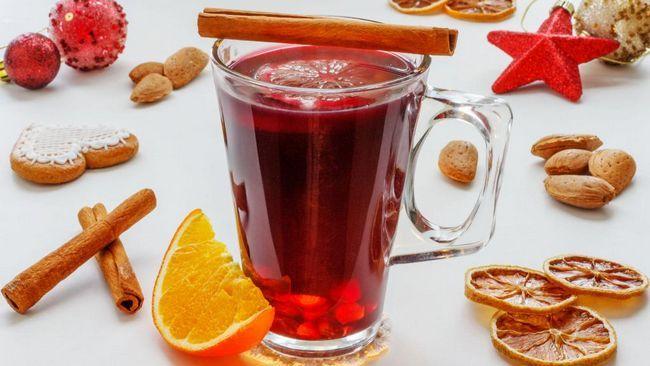 охладено сварено вино със сироп