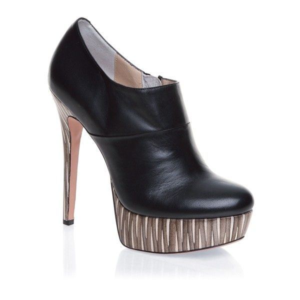 Фирмата `Mascotte`: Обувки и аксесоари за всички поводи
