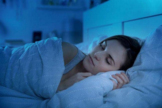 Силен здрав сън: 11 странни трика, които наистина работят