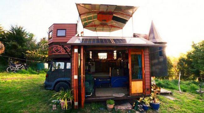 Малка триетажна къща-камион: но бихте могли да живеете в такива?