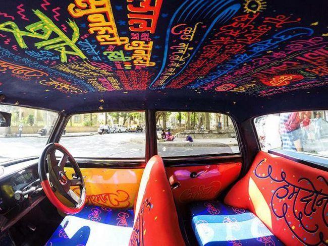 Необичайният интериор на такси в Мумбай буквално се наслаждава