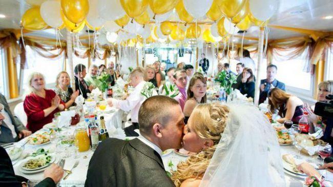 Защо жените получават тегло след сватбата?