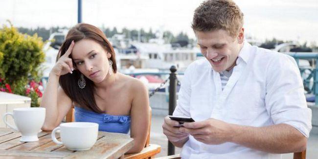 Вярно ли е, че смартфоните ни правят глупави?