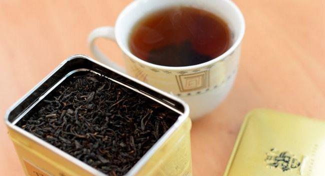 Сладък горещ чай