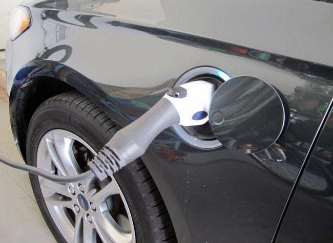 Сега патентите за всички продукти на Ford са на разположение на конкурентите