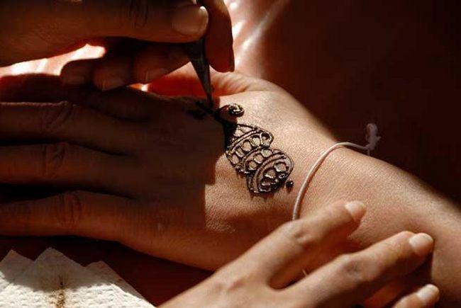 Временна татуировка: колко се държи и наистина съществува?